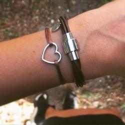 Bracelet cordon Coeur Brun...