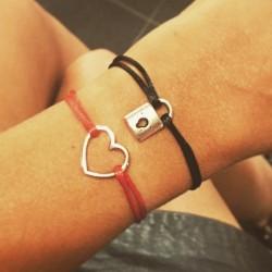 Bracelet cordon Coeur Rouge...